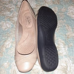 Life Stride Shoes - Tan flats